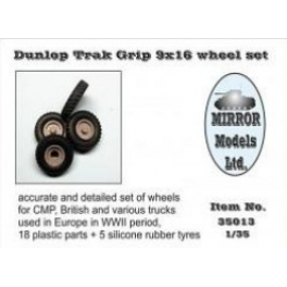 35013 1/35 Wheel Set for CMP and British Trucks Dunlop Trak grip 9x16